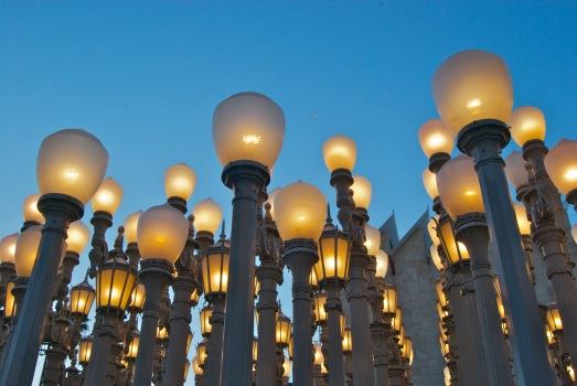 Urban Light (2008) is a large-scale assemblage sculpture by Chris Burden located at the Wilshire Boulevard entrance to the Los Angeles County Museum of Art (LACMA).