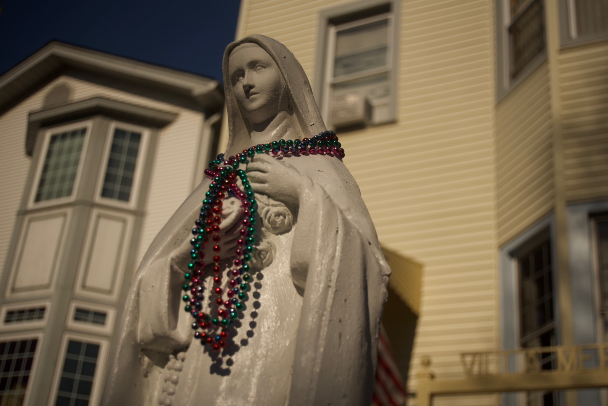 Statue or image of the Virgin Mary in Sawyer St. at Logan Square, Chicago, IL